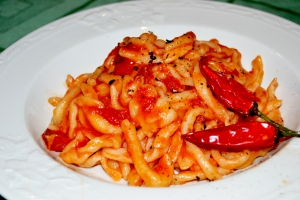 Lombricozzi aglio, olio e peperoncino foto Roberta Castrichella