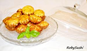 Mini cake con zucchine e feta. Foto di Roberta Castrichella.