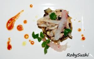 Cous cous con bisque di scampi e seppia al coriandolo fresco. Ricetta e foto di Roberta Castrichella.