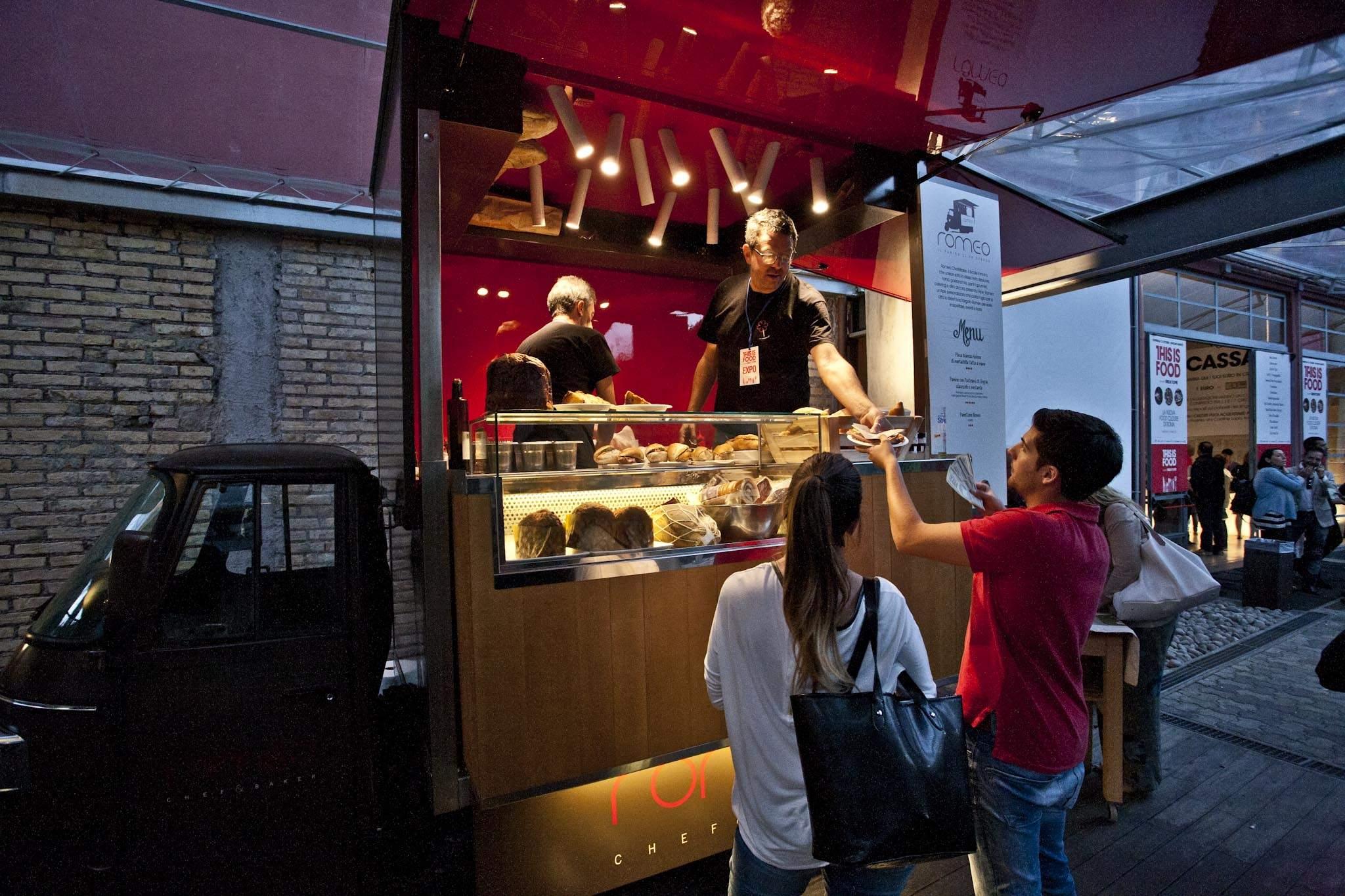 ape romeo - street food - eatinero - cibo di strada - panino