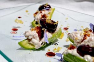 Barchette di zucchina con spuma di mortadella e ciliege. Ricetta e foto di Roberta Castrichella.