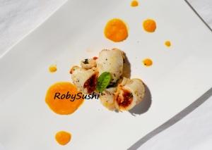 Sogliola con pesto di pomodori e mandorle su crema di carota e zenzero. Ricetta e foto di Roberta Castrichella.
